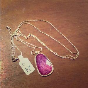 Torrid fuschia pendant with gold chain NWT